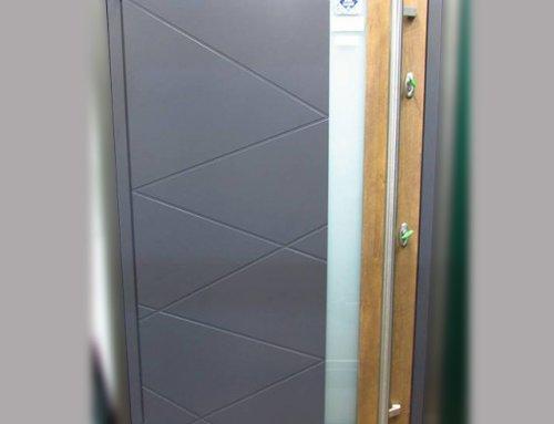 Выставочный образец Residence Optima | Внешняя панель RAL 7015 / Декор 68747 | Внутренняя панель RAL 1015