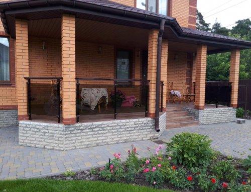 Ограждение террасы в частный доме